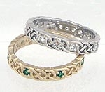 A Celtic Ring w/gemstone  R43